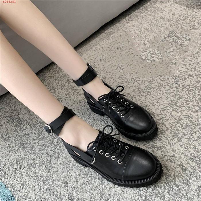 Леди осень зима новый стиль шнуровкой кожаные ботинки, черные и белые соответствия цвета низкой пятки вскользь мокасины
