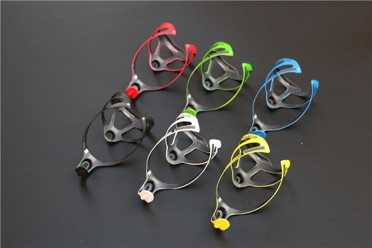 Bottiglie di acqua della bicicletta Holder portaborracce Materiale Carbon Bike grandi bottiglie Gabbie capacità d'acqua piu colori