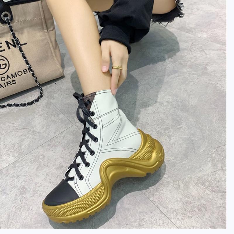 2020TJ nouveau site officiel a également publié des chaussures de chaussettes de mode casual femmes de luxe, des bottes en plein air décontracté, livraison rapide