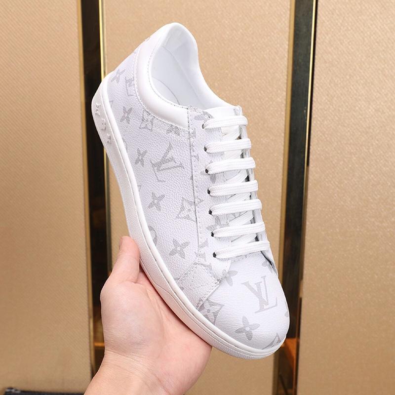 Les nouveaux hommes d'arrivée Chaussures Vintage Designer Chaussures confortables Luxembourg Sneaker Lace -Jusqu'à Plus Size Casual Sport Hommes Chaussures Zapatillas Hombre