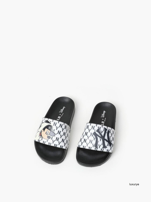 Muchachas de los muchachos de alta calidad Zapatillas de verano de los nuevos niños del deslizador de casa preciosas zapatillas casuales