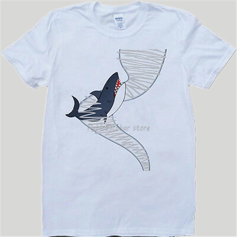Homens t-shirt Sharknado Branco, Verão Fez o t-shirt dos homens Marca T-shirt masculino Top Tees de algodão