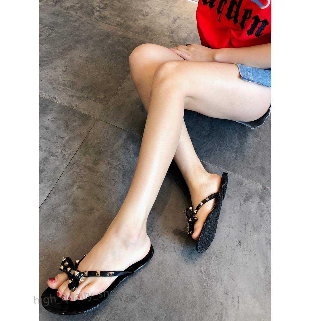 Hococal été femme Tongs Pantoufles sandales plates Bow Rivet Mode Pvc Cristal Chaussures de plage