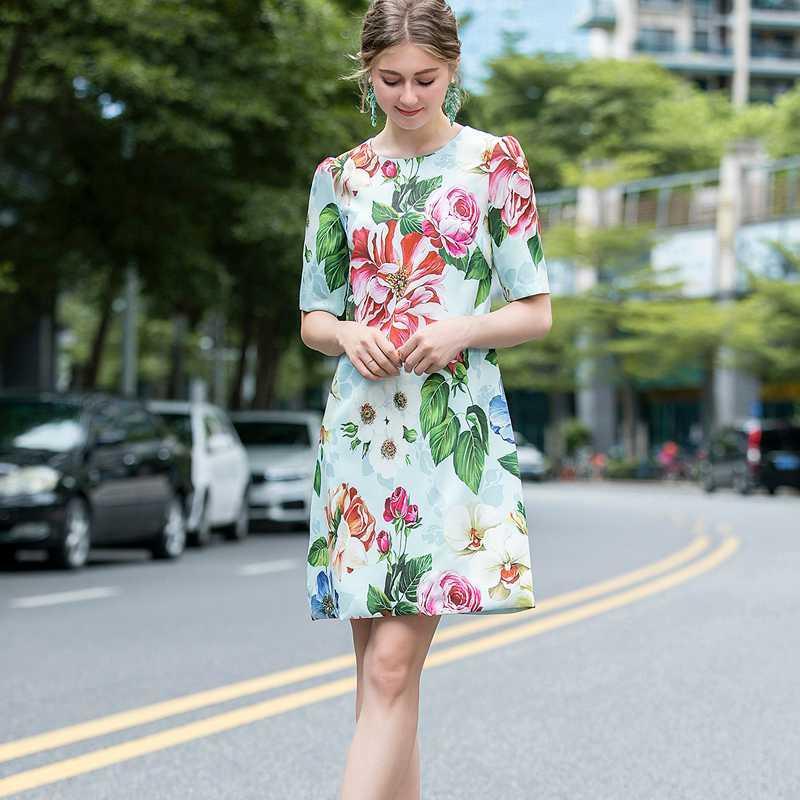 Лето 2020 богемского ретро печати шею с коротким рукавом Элегантный Темперамент Тонкий платье женщин Новый высокого качества Мода