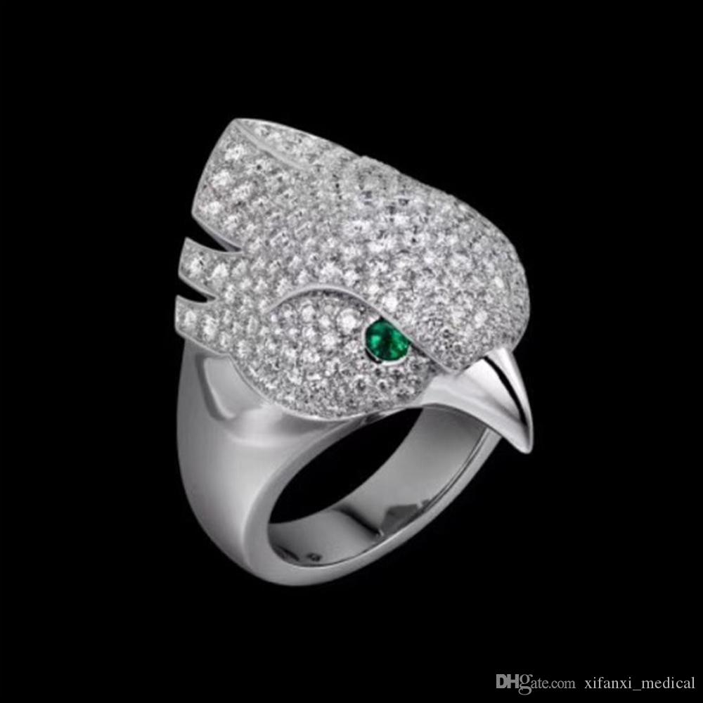 Hot sale money Animal Eagle Head Ring neutral Personality Twinkle Superior quality luxurious bird Rings Eyes inlaid with green crystal Punk