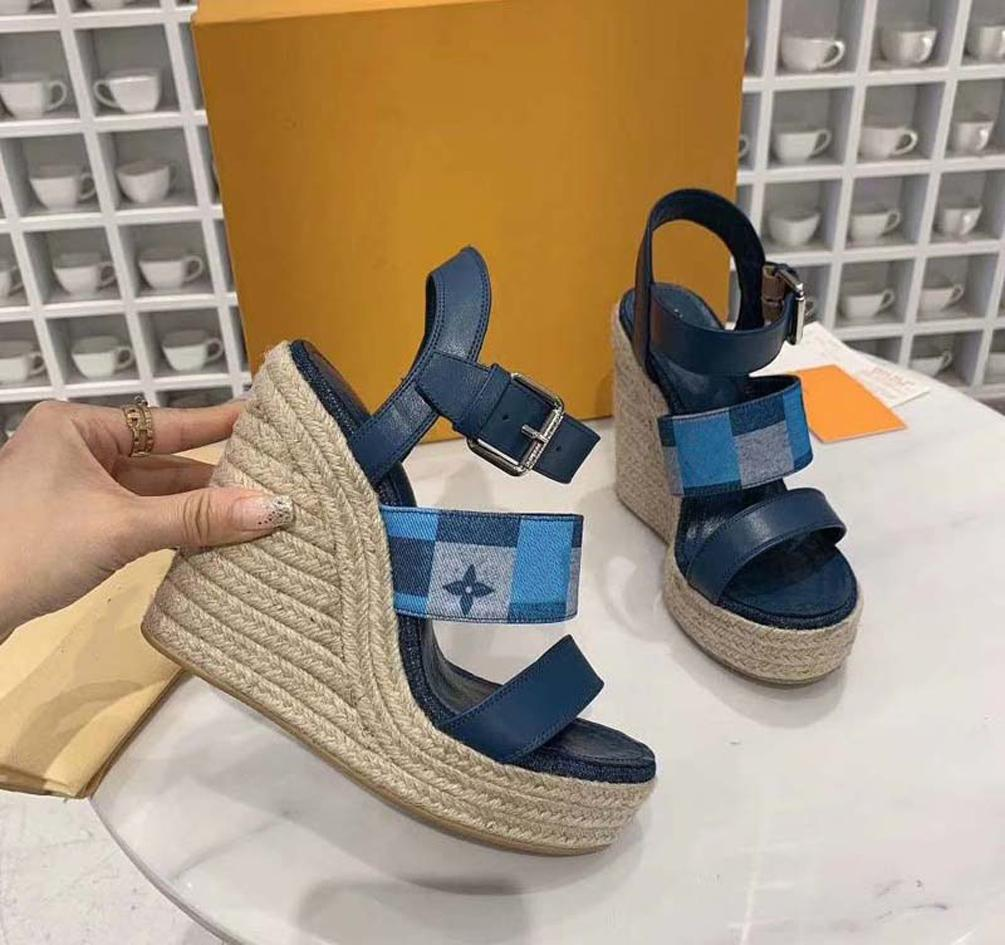 kutu 04L1901 ile 35-41: Kadın Sandalet Terlik Ayakkabı terlik Yüksek Kalite Sandalet Terlik Günlük Ayakkabılar Eğitmenler Düz ayakkabılar Eu Slide