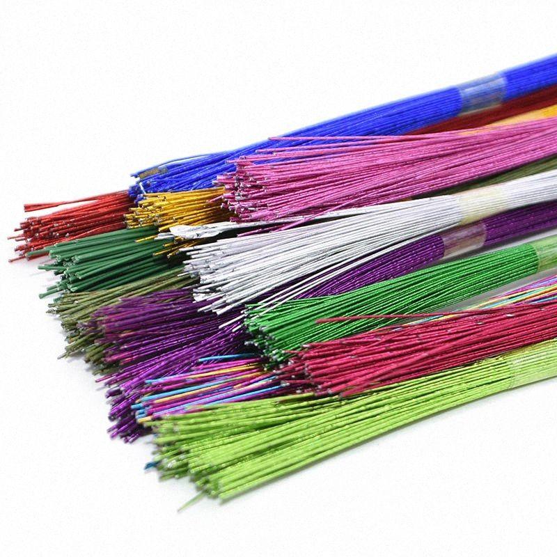 25pcs / lot 0.45mm 80cm Blumen-Papier-Draht benutzt für DIY Nylon-Strumpf-Blumen Herstellung der Kunstseide-Zubehör Eisendraht eZbK #