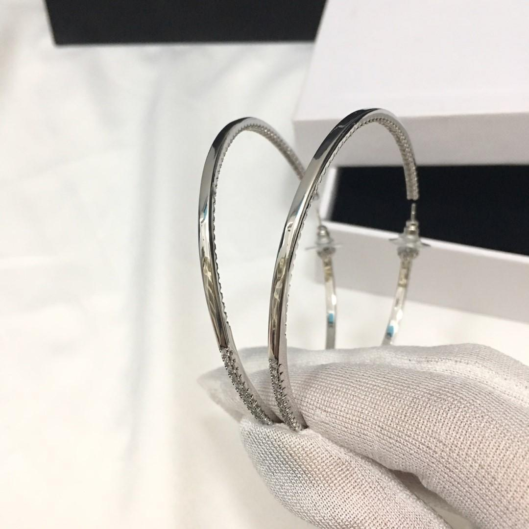 Les meilleurs modèles de vente d'explosion simple anneau boucles d'oreilles de créateurs de diamant design de luxe femmes bijoux boucles