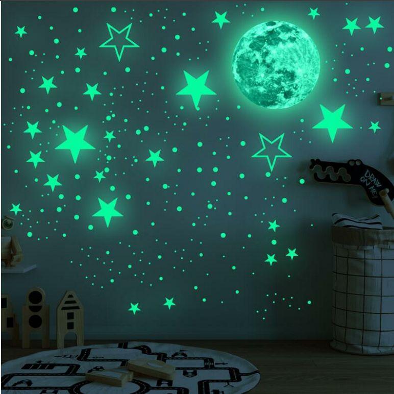 Resplandeciente estrella de la luna dormitorio pared pegatinas de dibujos animados luminosas de las estrellas etiqueta de la pared 435pcs adhesivo brillante pared Sticke de niños Decoración BLSK200