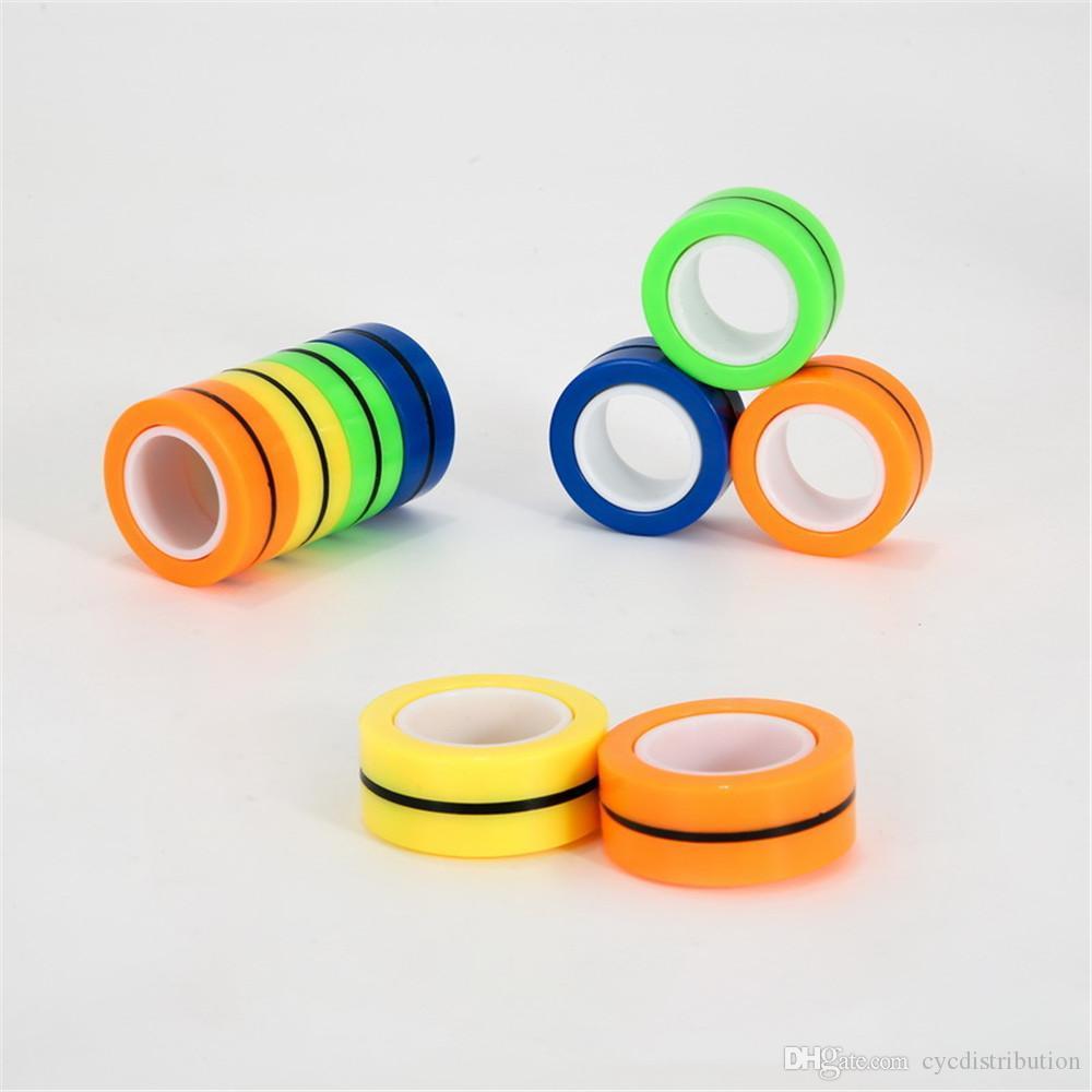 3pcs / set Magnetring Relief Toy Anti-Stress-Abbau von Stress-Finger-Ring Spielzeug Magnetringe für Erwachsene Kinder-Geschenke en gros