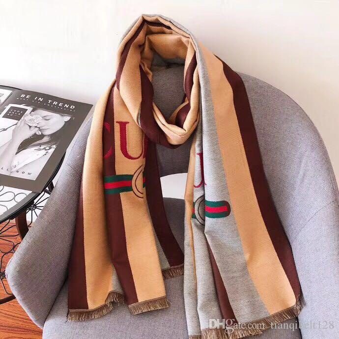 Otoño / invierno diseñador bufanda al por mayor carta diseño de moda para hombres y mujeres nueva bufanda de seda a rayas de lana diseñador chal espesa mezclada