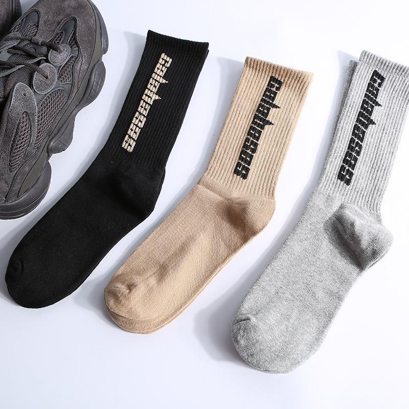 시즌 6 CALABASAS 양말 스케이트 보드 패션 남성 편지 인쇄 양말 카니 스포츠 양말 Sockings 힙합