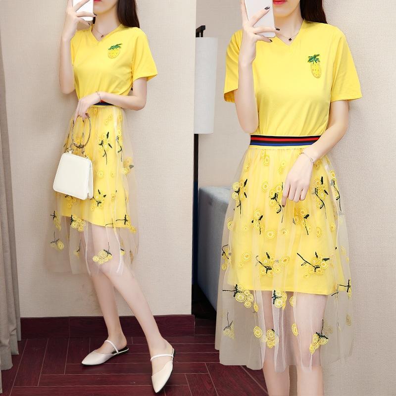 UASJK malha terno de saia 2020 Vestido do verão novo estilo coreano das mulheres do moderno de algodão de duas peças T-shirt vestido T-shirt de algodão bordado bfstyle