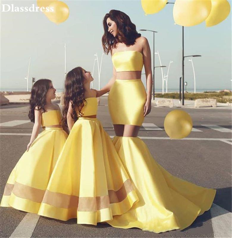 2020 New ywllow Blumenmädchen Kleid Satin A-line bodenlangen Ärmel Strapless Zwei Stücke Mutter-Tochter-Kleid-Abschlussball-Kleid
