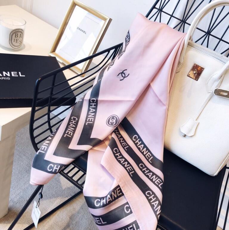 2020 Элегантная модная и красивая женская четыре сезона шелковые шарфы рэнд письмо цветок дизайн шарф размер шали 180 * 90cm C03