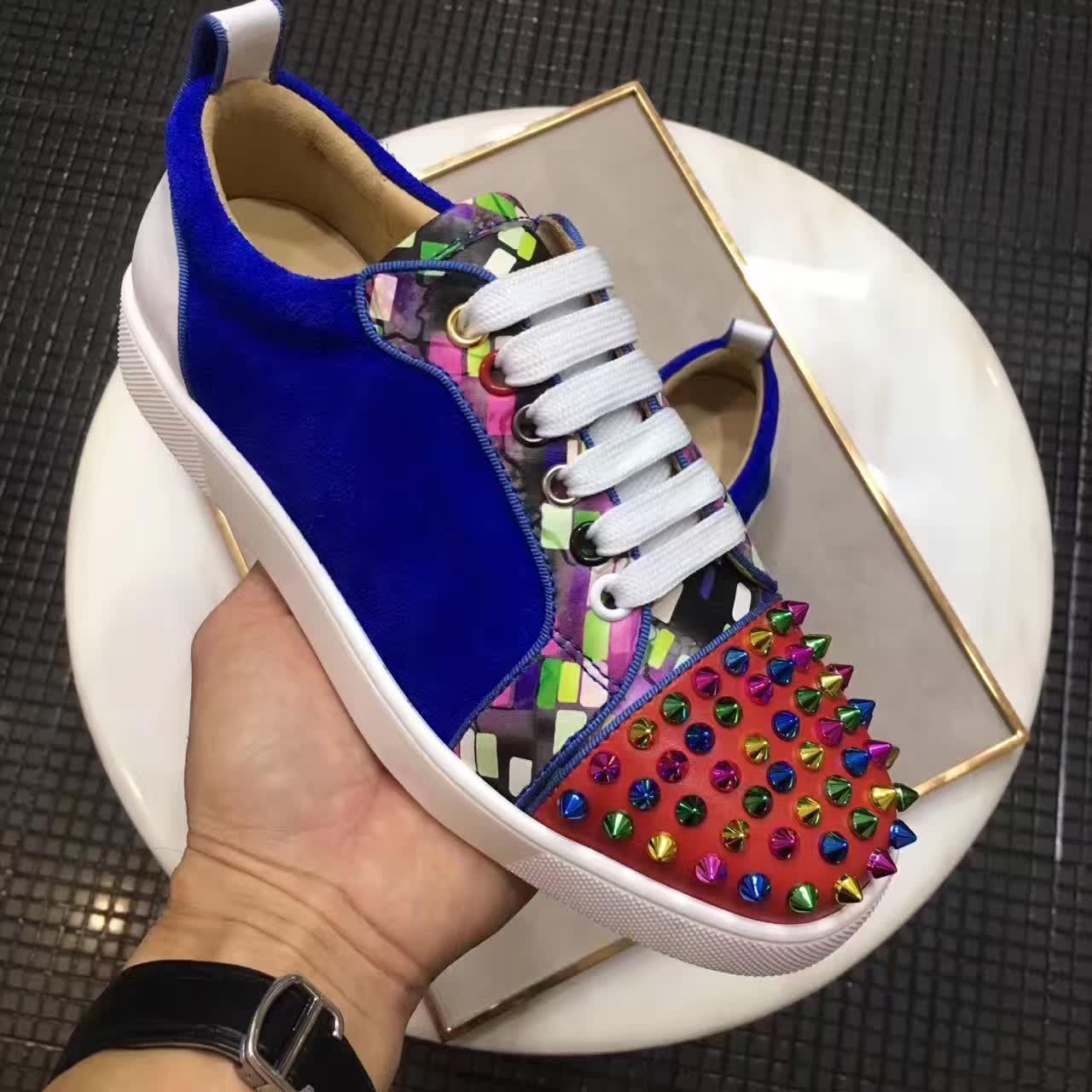 Designer Low Top Sneakers Bas Rouge Junior Hommes Femmes lacets en cuir daim avec des couleurs SChristianDesignerDes chaussureslouboutin pas cher