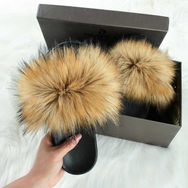 Новый Пушистый искусственного меха Слайды Женщины Мех тапочки Пушистый Енот сандалии Поддельный Вьетнамки Главная Fuzzy женщина случайные Плюшевые обувь