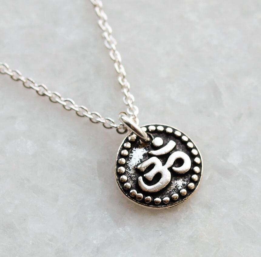 Pendentif Collier Bijoux Steampunk Vintage Amulette Om Ohm / Aum Symbole Yoga bouddhiste Collier Femmes Mode Sport Accessoires longue Collares