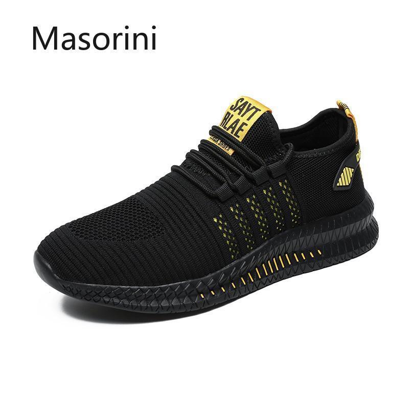 Scarpe leggere nuovo modo degli uomini delle scarpe da tennis degli uomini dei pattini casuali mesh traspirante Uomo all'aperto agio a camminare Estate 39-48