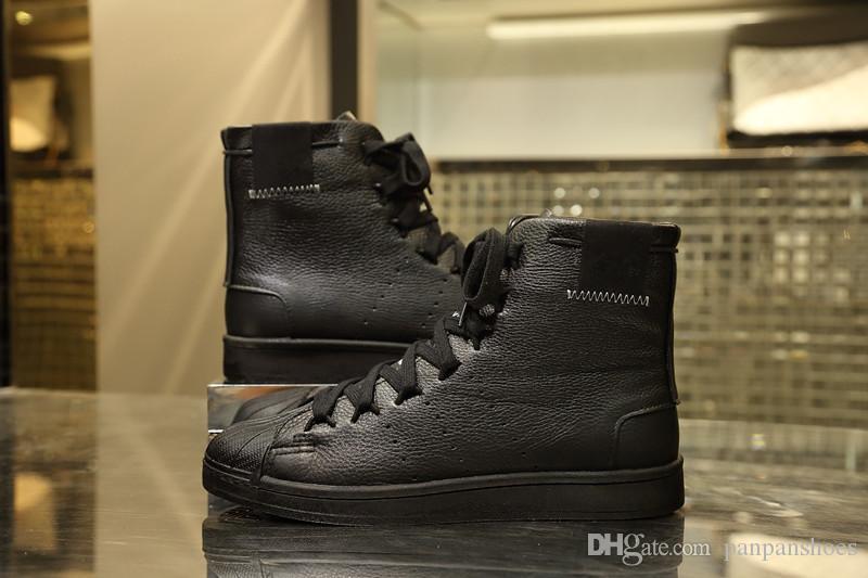 Chaussures Black White douradas reflexivas Designers de couro de luxo sapatos sapatilhas das mulheres dos homens plataforma Casual sapatas lisas bzb19081006