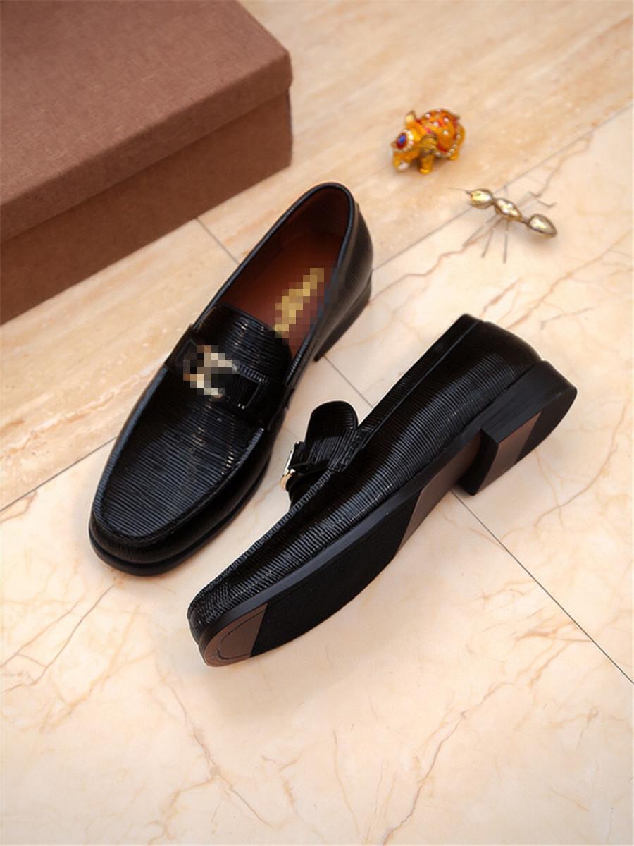 Yeni varış Erkekler Casual loafer'lar Gerçek Deri Kayma-on Elbise Ayakkabı El yapımı Erkekler Flats Düğün Ayakkabı büyük beden 38-44