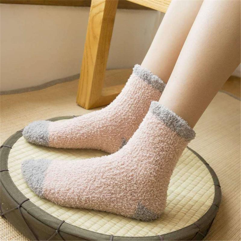 New Hiver chaud Fluffy chaussettes femmes chaussettes mignon doux élastique velours corail serviette intérieure sol Respirant Couleurs pures