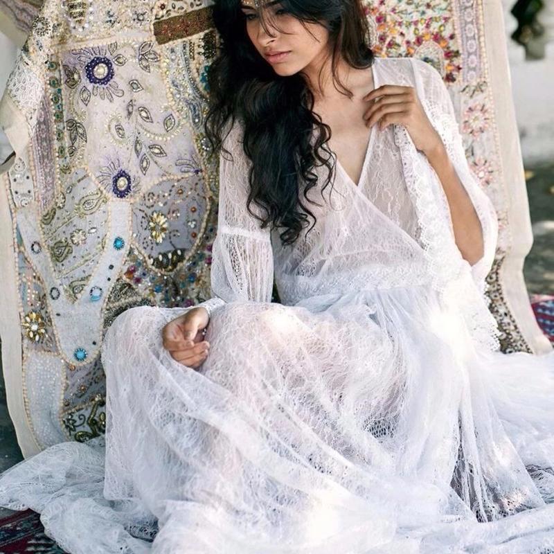 2020 Frühlings-Boho beiläufige Frauen Maxi Kleider Langarm V-Ausschnitt Vintage-Vestidos Backless reizvolle feste weiße durchschauen Spitzenkleid