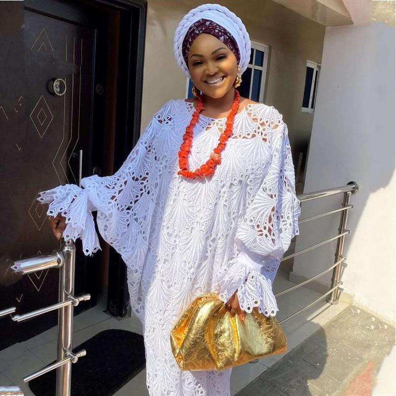 Etnik Giyim 2 Parça Set Artı Boyutu Dantel Elbiseler Afrika Kadınlar Dashiki Moda Su-Çözünür Gevşek Hollow Nakış Uzun Elbise Robe Afric
