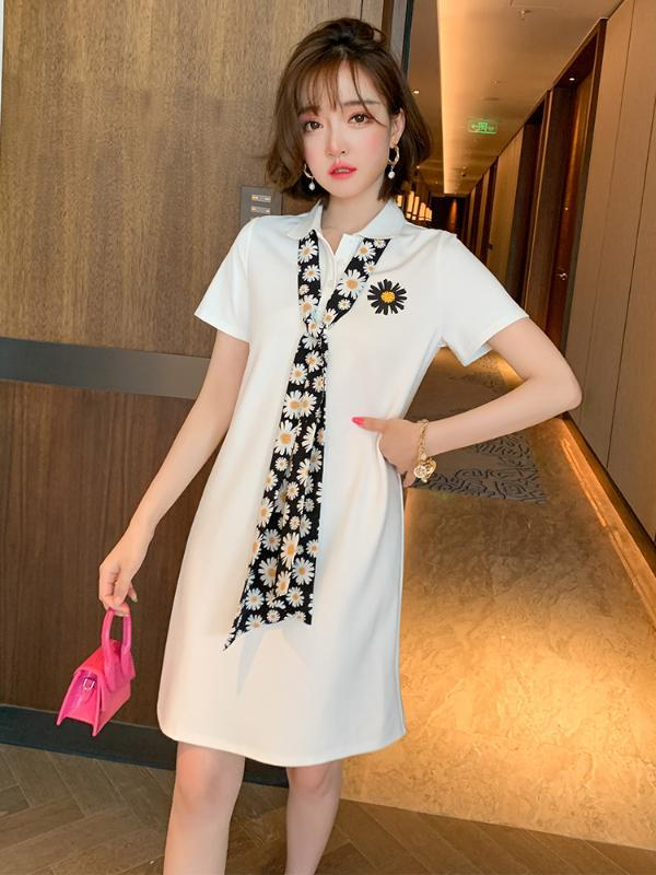 El nuevo estilo de moda de verano de moda collar fresco de la margarita Impreso pañuelo de seda Fit adelgaza la camiseta de vestido de las mujeres