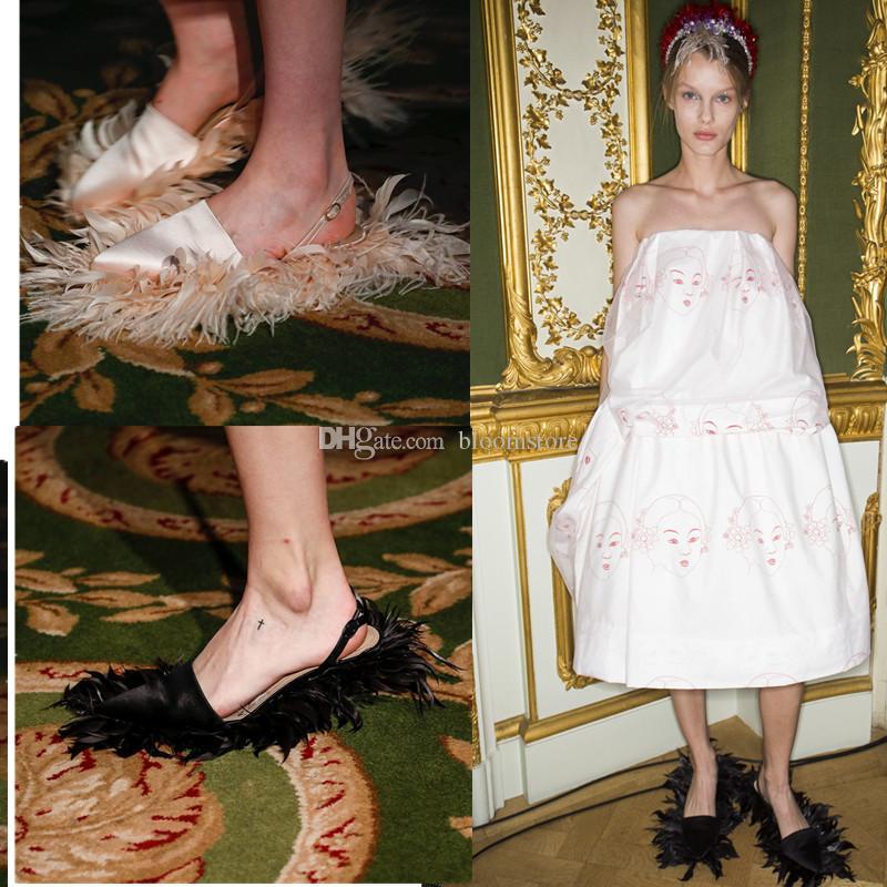 Luxus-Designer-Feder-Damen Hausschuhe Satin Damen Spitzschuh Pumpen Slides Kitten Heels Lässige Brautschuhe Flip Flops Large Size