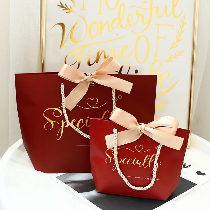 10шт / много Свадебный бумаги конфеты мешок подарка Упаковка с ручками День рождения Подарки Box Bag Baby Shower Party Decoration Supplies