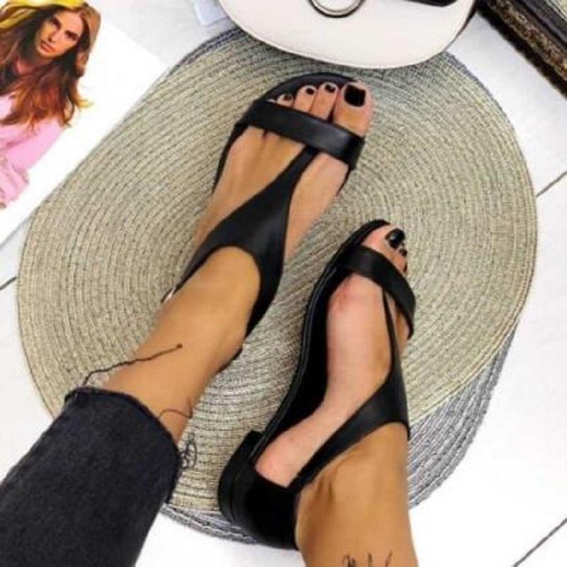 Verão Mulheres Flats sandálias de dedo aberto T Strap Gladiator Senhoras sapatos Big Size Black Beach Feminino Sandálias Sandálias Mujer
