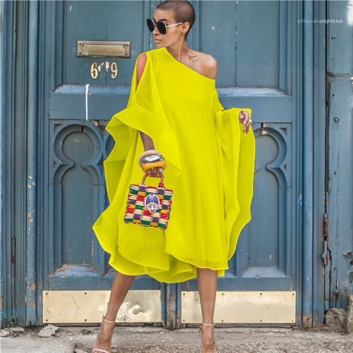 Asimmetrico Abito in chiffon fuori-spalla del manicotto della mosca Summer Dress scollo scava fuori il vestito con maniche pipistrello