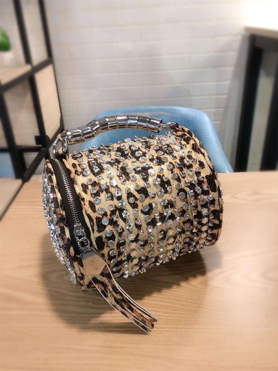 2020 Mode strass Femmes Bucket Vintage Tassel Messenger haute qualité Rétro épaule simple sac à bandoulière fourre-tout MX200817