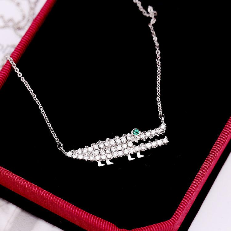 Korean new fashion luxury zircon inlaid small crocodile clavicle chain women adjustable mid-length shiny zircon necklace high-end gifts