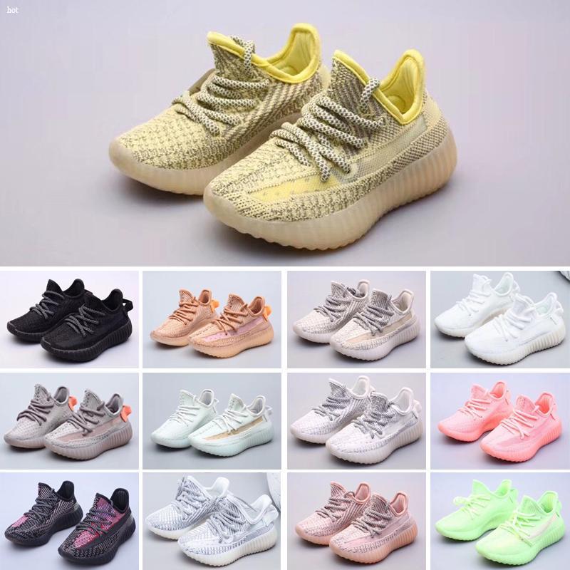 Yeezy 350 V2 Los niños de calidad superior de los zapatos corrientes amarillo Core negro niños Calzado deportivo zapatillas de deporte de bebé para el regalo de cumpleaños