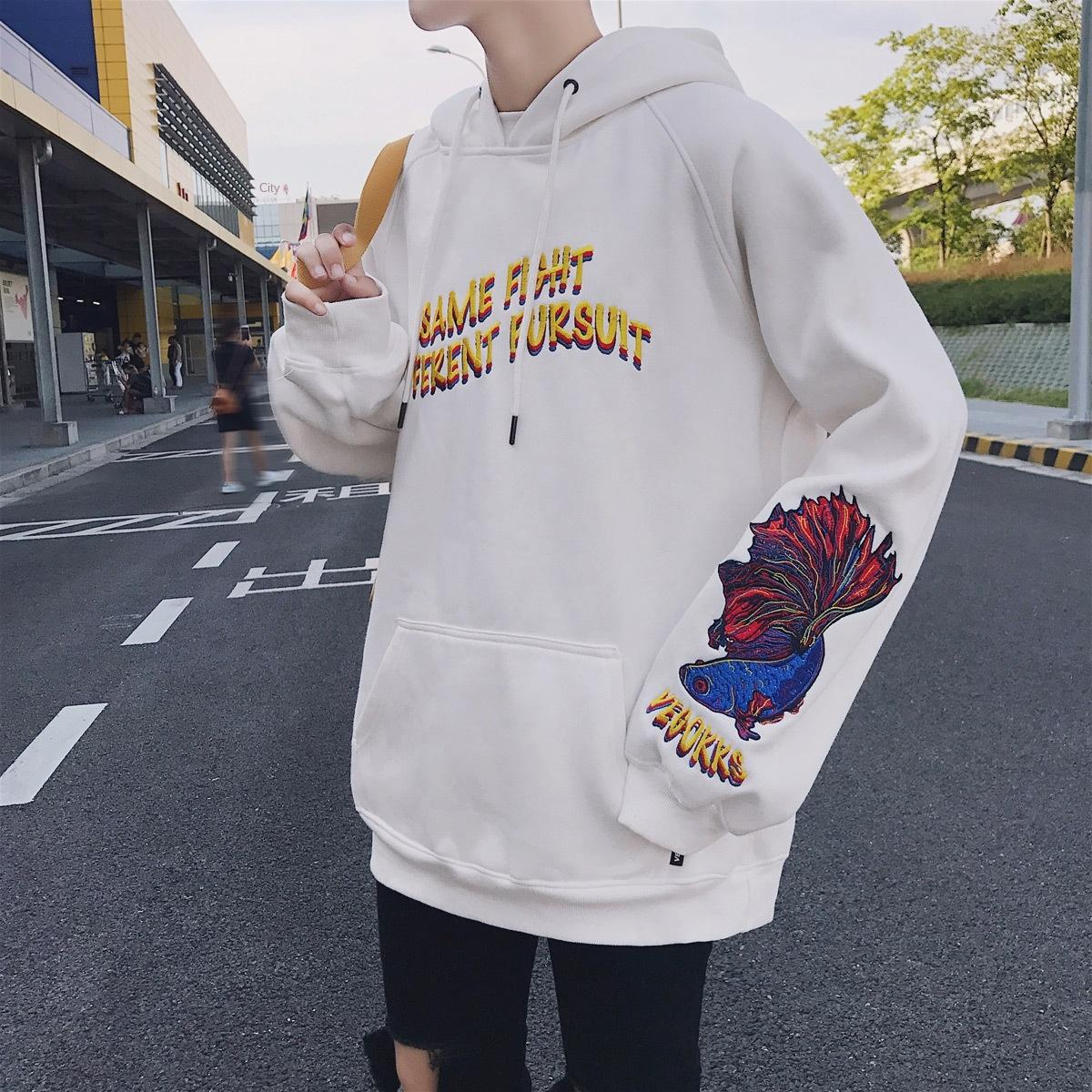 2020 Frühling paar beiläufige große Mantel Pullover Größe der chinesischen Art Harajuku Guchao bestickten Mantel Pullover Männer