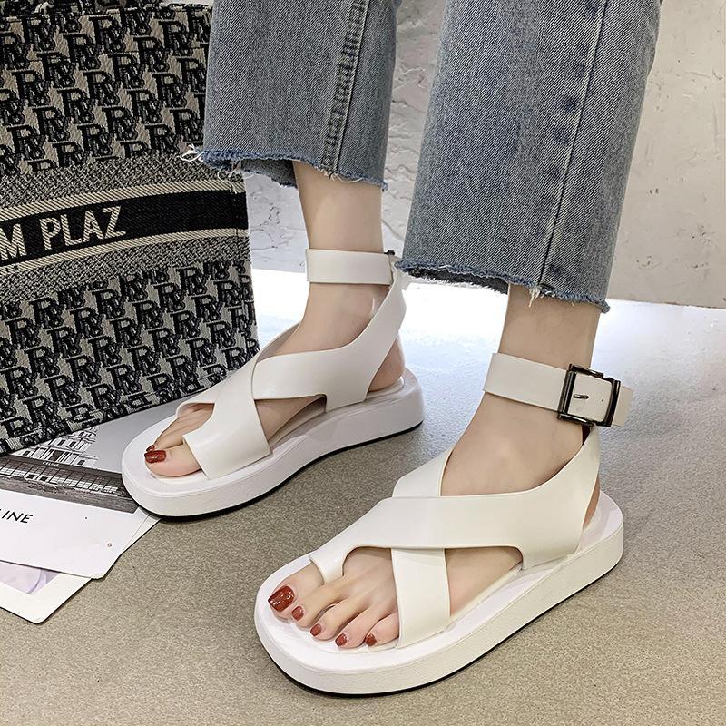 Sandalen weiblich 2020 Sommer neues Wort Band Gladiator Wohnung mit True Fits zu Größe, nehmen Sie Ihre normale Größe Buckle Strap Öffnen Gummi