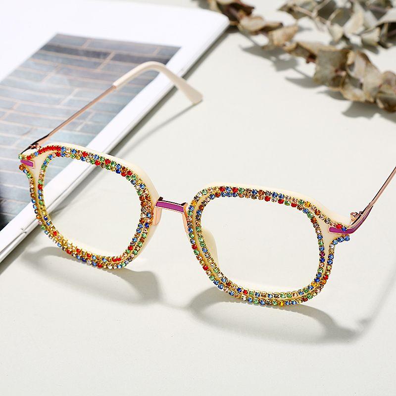 Soleil Strass Sunglasses Femmes Mode Steampunk Lunettes de soleil Diamant Cristal Vintage Viettes UV400 Oculos KMQQH