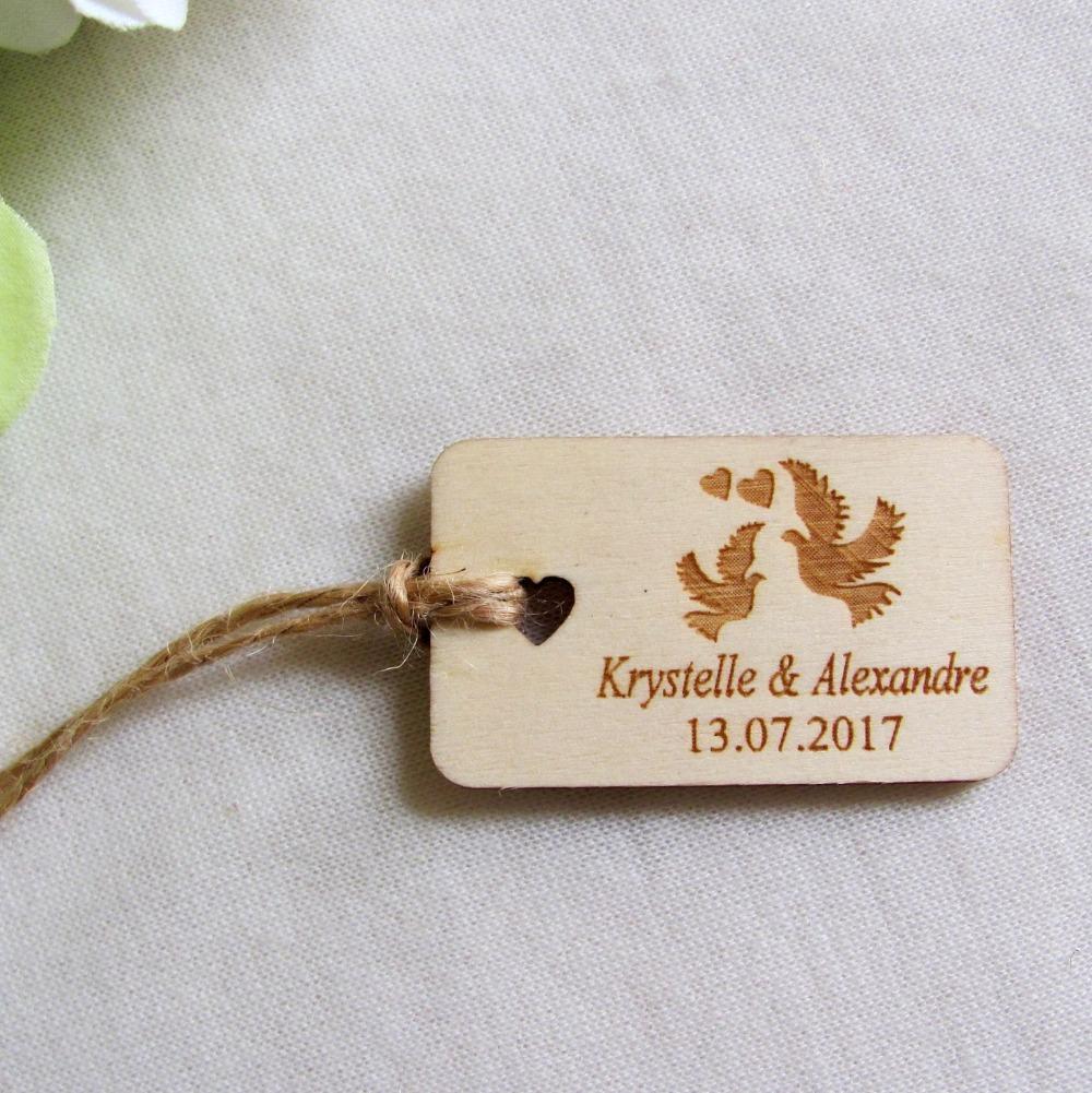 65 / 200pcs grabado personalizado de la boda de madera etiqueta colgante regalos de boda favores de la ducha nupcial Etiquetas del rectángulo de la paloma Nombre y