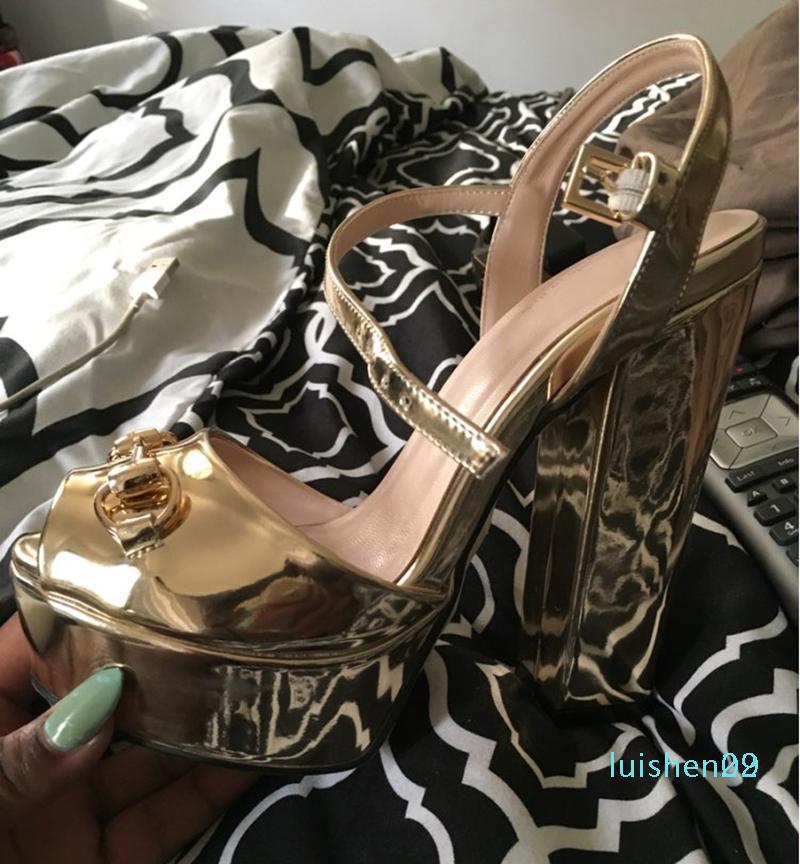 Sommer-Marken-Designer-Schuhe Frau Metallic-Leder-Plattform-Sandelholz-Chunky High Heels Gladiator Sandale Superstar Schuhe Mujer L29