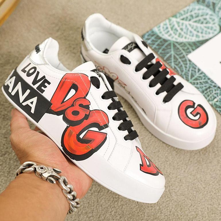 En iyi kalite Moda nakış Çift spor ayakkabı kişilik Yabani Platformlar Womens Casual spor ayakkabı, Baskı deseni iskarpin 0012