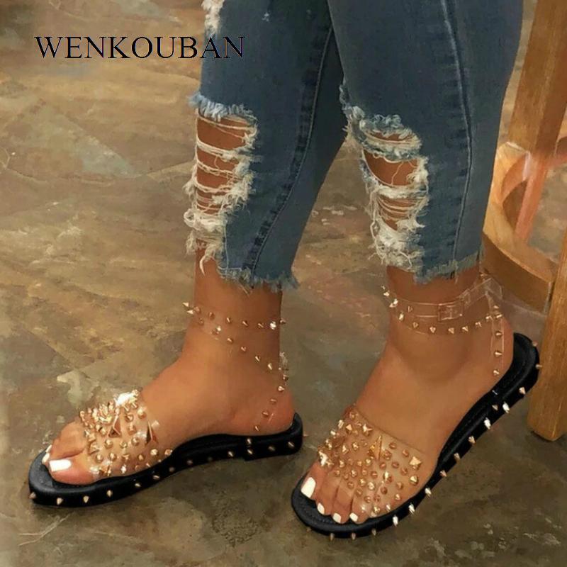 Femmes d'été Nouveau Sandales plates talon Rivet plate-forme Peep Toe cheville Boucle 2020 Mode Punk Plage Chaussures pour femmes Chaussures De Mujer Y200620