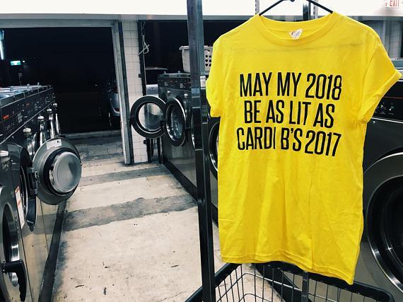 Mayo 2020 mi ser tan iluminado como Cardi B en 2017 la camiseta unisex de la manera camisa tumblr tapas ocasionales amarilla estética camiseta