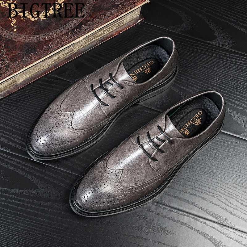 Vintage Shoes Men clássico Brogue sapatos Homens Formal vestido de noite sapatos italianos Marca oficiais para Couro Vestido Buty