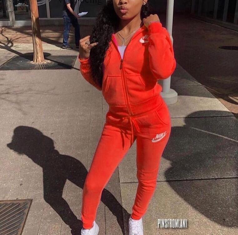 Brand Two Piece Women Set Sport Casual Outfit Fall Clothes for Women Sweatshirt Crop Top Sweatpants Set Women Sweat Suit Set Tracksuit