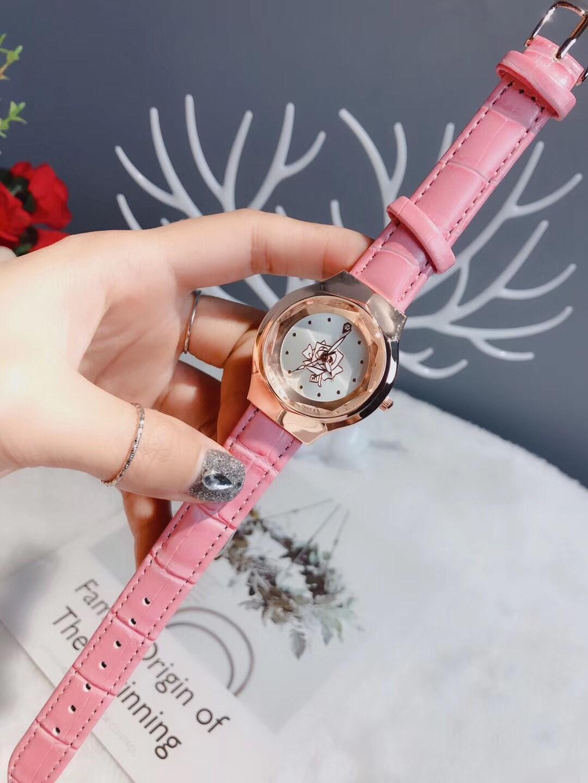 2020 Drei Nadel Serie Luxus Herrenuhren Blumen im Zifferblatt Quarz-Uhr-Designer-Uhren DI Marke Mode Lederarmband Mädchen Ornament