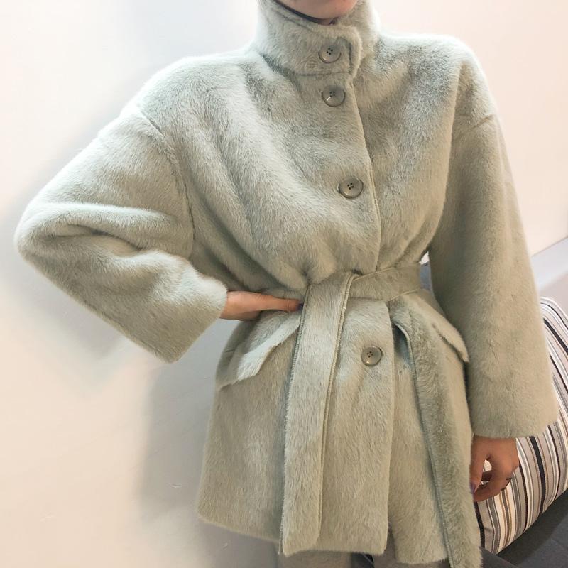 2020 Kleidung der Frauen der Winteroberbekleidung Mäntel Leder gras haarig Wollmantel dicken Lamm 1019