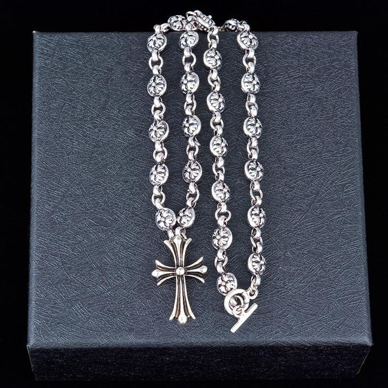 Luxe Titane Acier Ornement Croix Creative collier pendentif mode hommes et femmes courte chaîne Pull