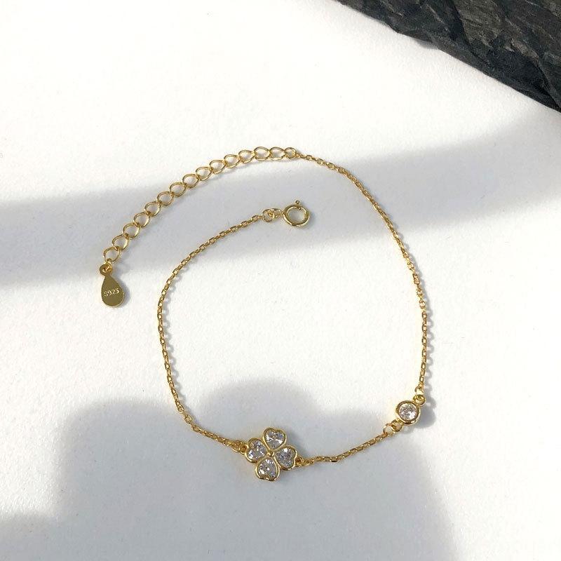 Ii55J Yong Cheng S925 argento pantaloni a vita bassa quadrifoglio zircone braccialetto femminile Mori Super braccialetto gioielli di nicchia studente fata